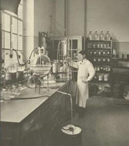 مختبرات شركة سيبا جايجى سنة 1914